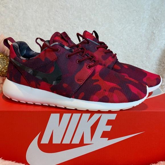 be03fe1da6686 Nike Roshe One Camo Red Sneakers Womens Sz 7.5 NEW